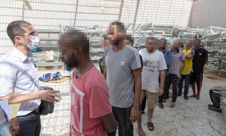 """صورة """"داخلية الوفاق"""": العثور على سجناء بطرق تعسفية داخل """"كتيبة الضمان تاجوراء"""""""