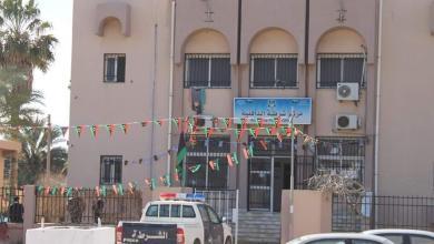 مركز شرطة الدافنية على المدخل الغربي لمدينة مصراتة