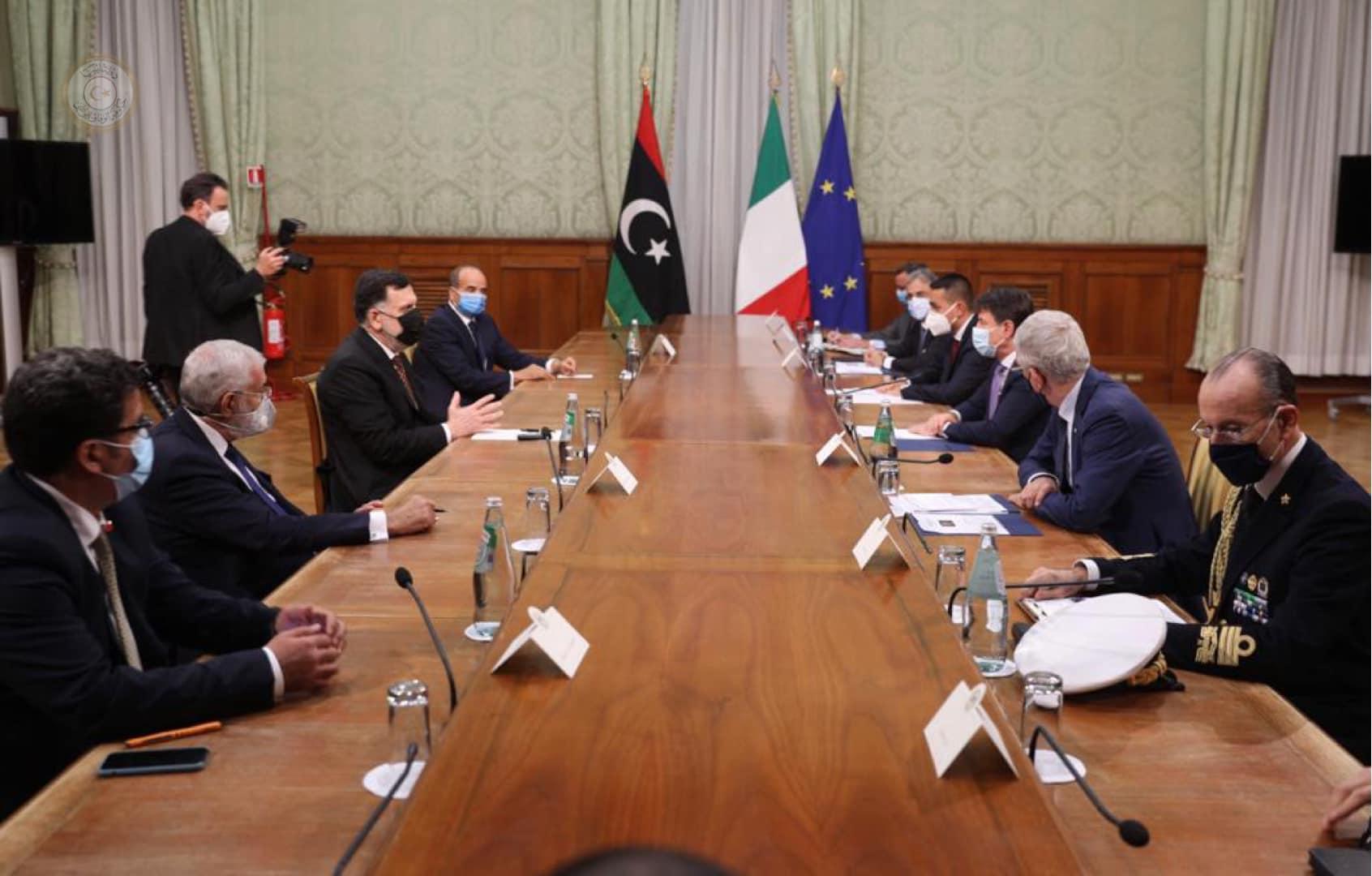السراج وكونتي يُجددان التأكيد على الحل السياسي في ليبيا