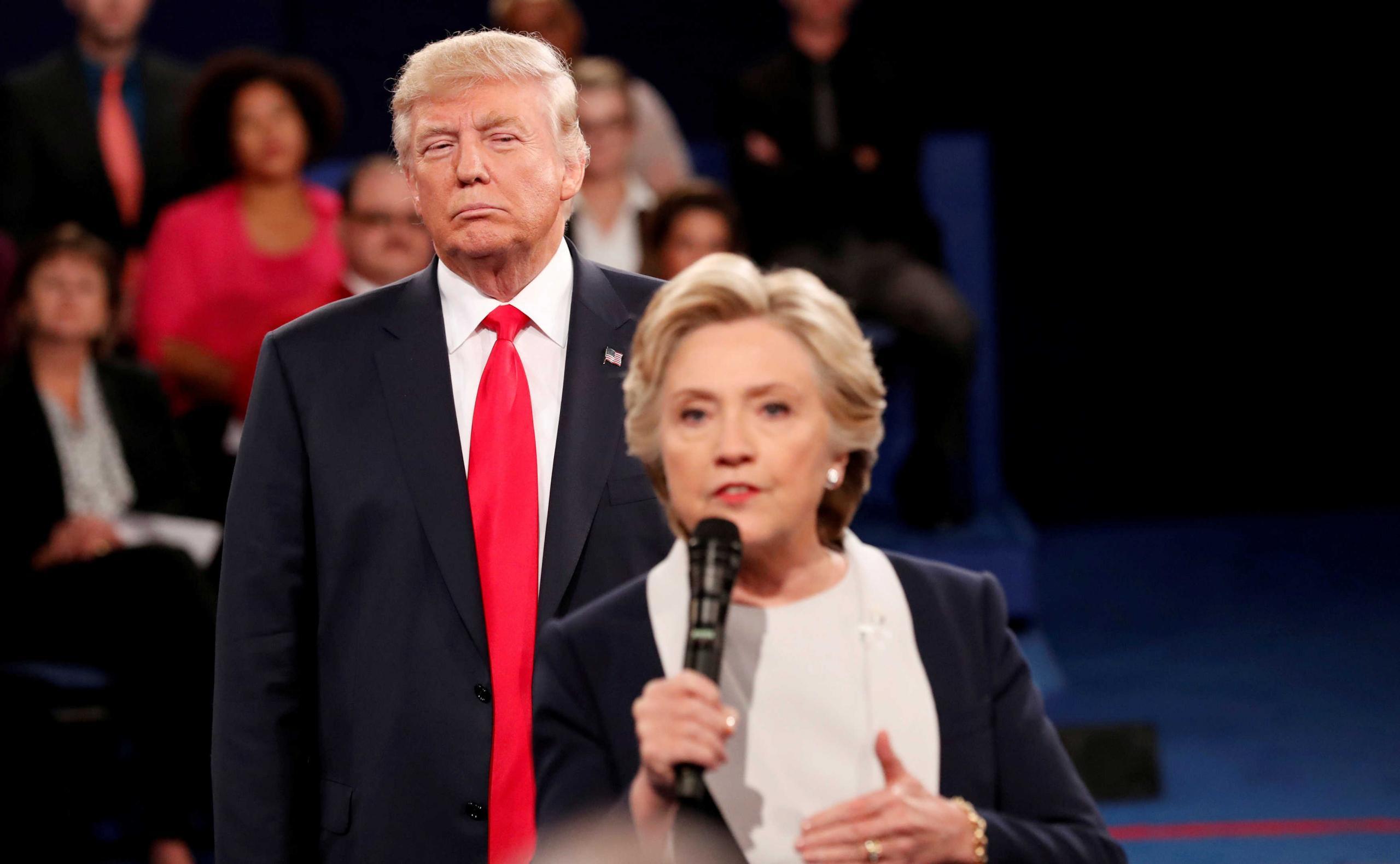"""الرئيس الأميركي دونالد ترامب في مناظرة مع هيلاري كلينتون 2016 -""""أرشيفية"""""""