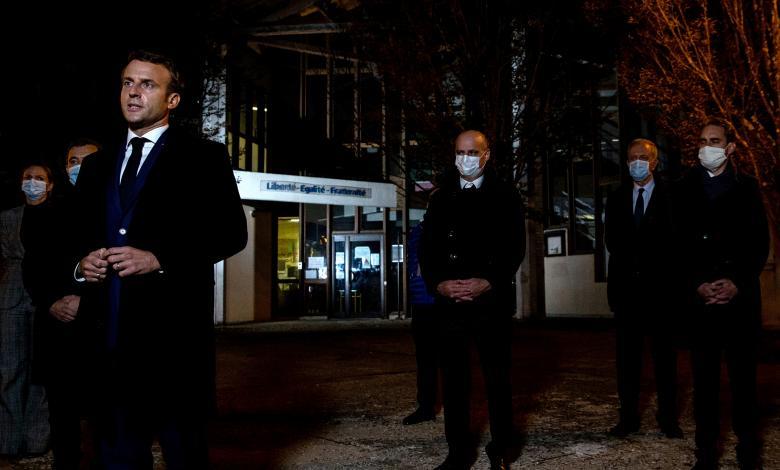 صورة محطة فرنسية: المهاجم الذي ذبح المعلم عمره 18 عاما وولد في موسكو