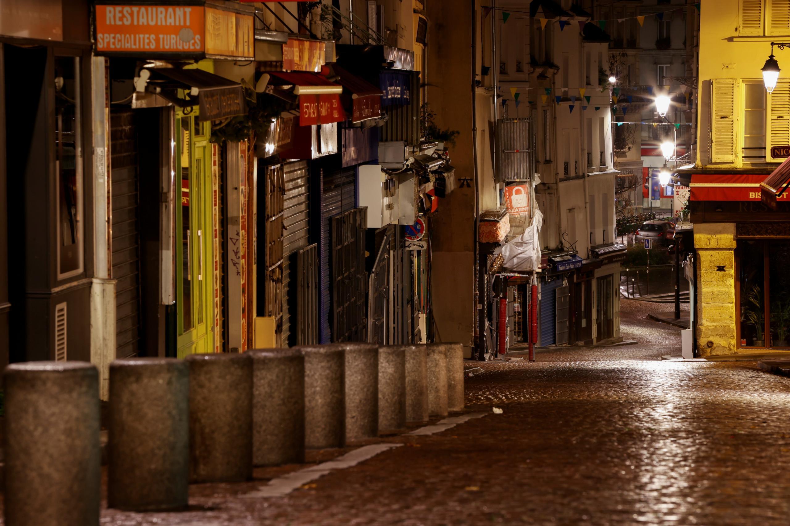 """الإغلاق الشامل في فرنسا احترازاً من الموجة الثانية لوباء كورونا-""""رويترز"""""""
