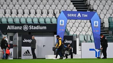صورة القاضي الرياضي الإيطالي يعاقب نابولي في قضية كورونا