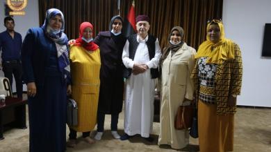 صورة شباب المنطقة الشرقية يبحثون مع رئيس البرلمان مبادرته لحل الأزمة
