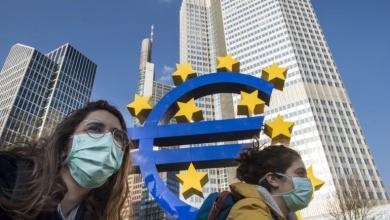 """صورة لإبطاء التفشي.. توحيد تطبيقات تعقب """"كورونا"""" في أوروبا"""