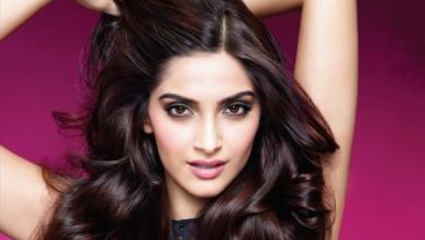 صورة بالتفصيل.. إليكِ سر جمال وكثافة شعر النجمات الهنديات