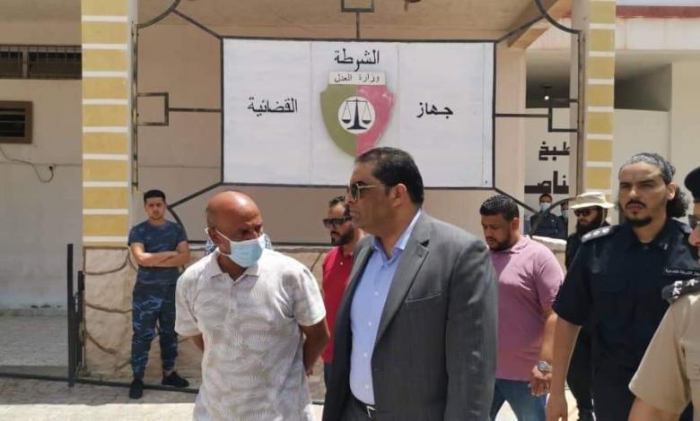"""صورة """"السراج"""" يعفي وزير العدل ومسئولَيْن آخرَين من لجنة حقوق الإنسان"""