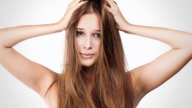 صورة انتبهي.. هذه المأكولات تبطئ نمو شعرك وتؤذي فروة رأسك