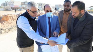 بوجواري يجري زيارة إلى مشروع إزدواج الطريق الدائري الخامس ببنغازي