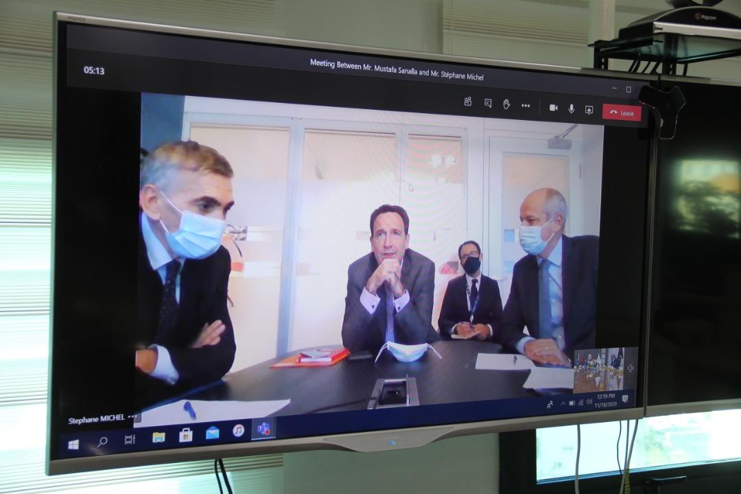 ستيفان ميشيل رئيس شركة توتال للاستكشاف والانتاج لمنطقة الشرق الأوسط و شمال افريقيا-خلال الاجتماع الافتراضي مع المؤسسة الوطنية للنفط بليبيا