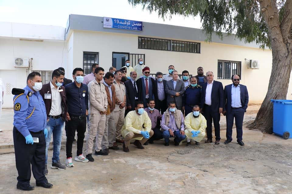 افتتاح أول معمل للكشف عن كورونا في مدينة طبرق بحضور وزير الصحة بالحكومة الليبية