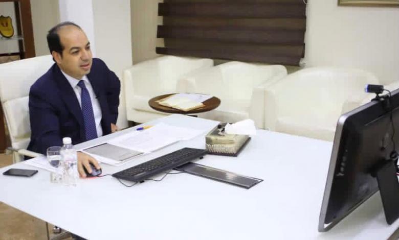 أحمد معيتيق نائب المجلس الرئاسي يلتقي عبر تقينة الزوم مع عمداء بلديات الجنوب