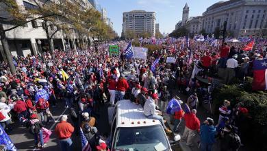 مظاهرة لمؤيدي الرئيس الأميركي دونالد ترامب تجوب شوارع واشنطن