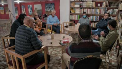 نادي الكتاب بتجمع تاناروت في جلسة لقراءة مسرحية هاملت للكاتب الانجليزي وليم شكسبير