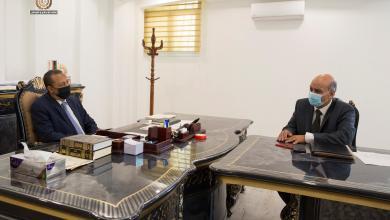 """رئيس الحكومة الليبية """"عبدالله الثني"""" يجتمع مع رئيس مجلس إدارة للمؤسسة الدكتور """"حسين محمد"""""""